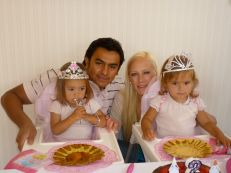 The happy family! Victoria, Felippe, Alexandra and Valentina