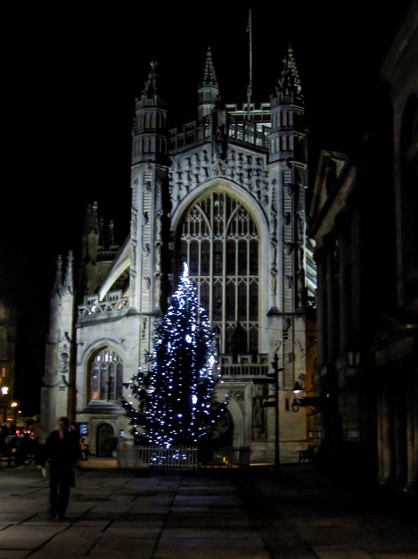 Bath Abbey done up for Christmas